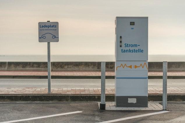 Gesetzliche Änderungen zum Jahreswechsel-Eine Ladestation von Elektroautos in Deutschland